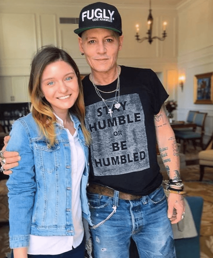 johnny depp has made his fans worried about his condition after recent pictures