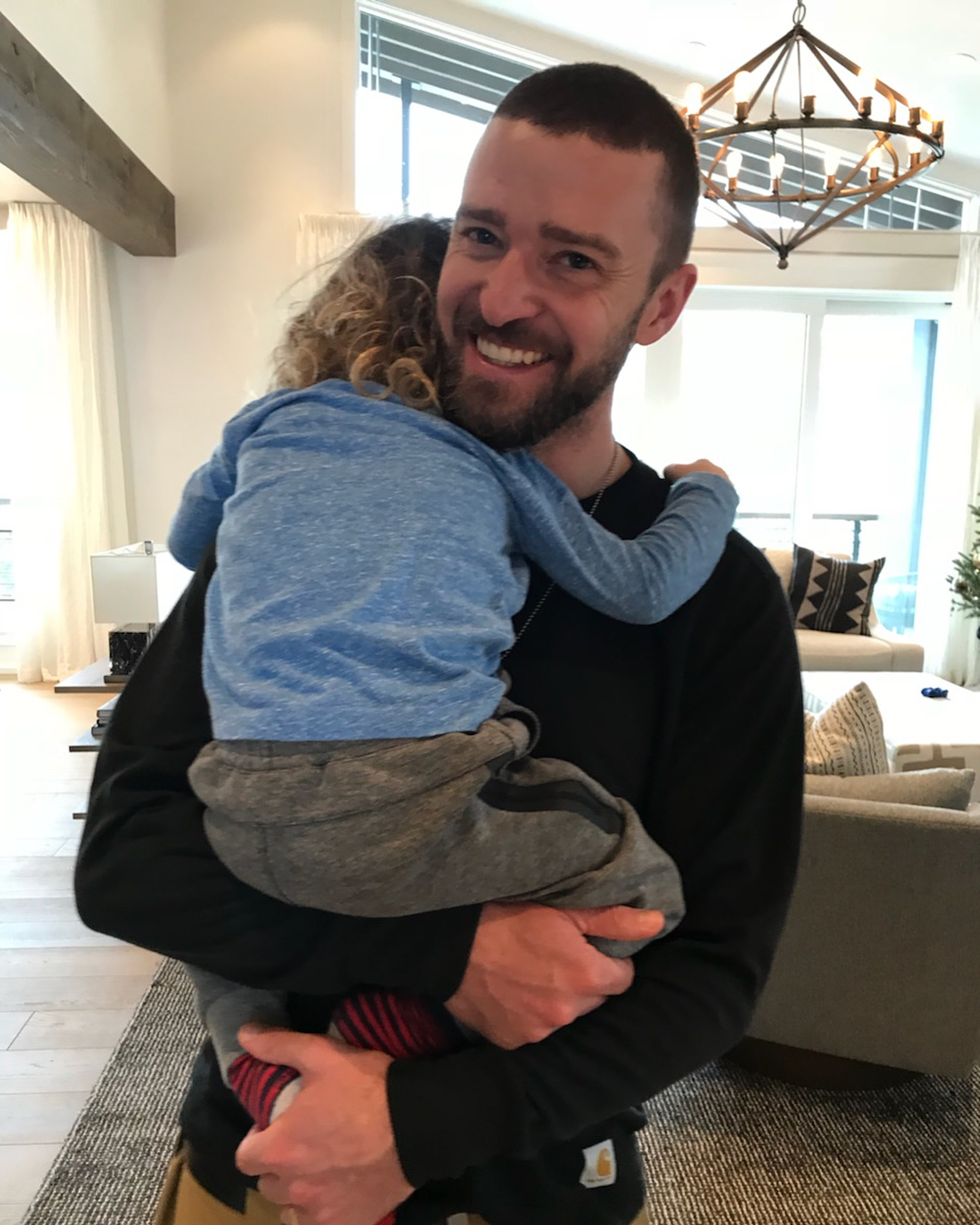 15 Pictures Of The Celebrity Dads Of Hollywood Spending Quality Time With Their Little Ones
