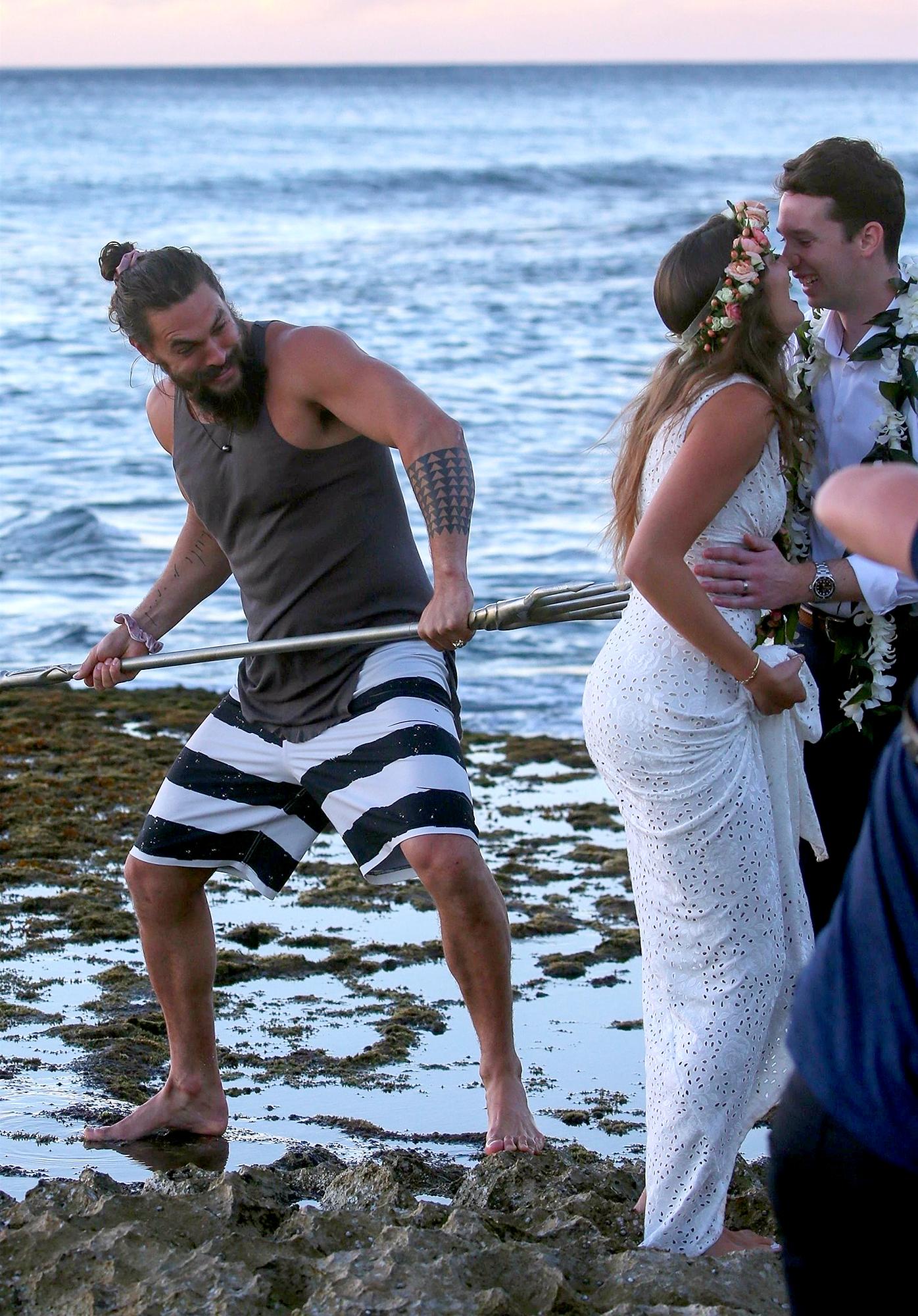 Aquaman Superstar Jason Momoa Crashed a wedding With His Trident