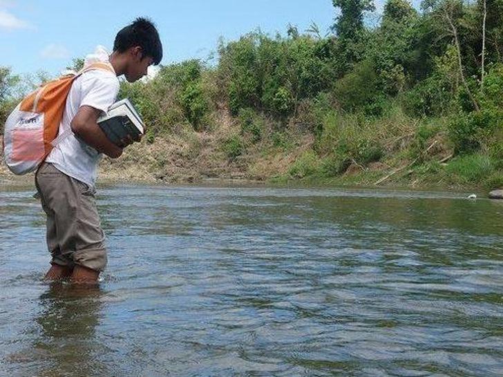 Filipino Farmer's Son Gets Full Scholarship From Harvard University, Proves Hard Work Beats Fate