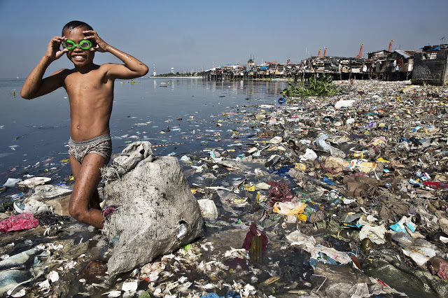 13 Pictures From Around The Globe That Proves How Much We Messed Up Our Planet Earth