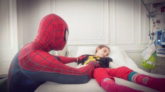 Man Quits His Job At Bar And Dress Up As Spider-Man To Cheer Up Sick Children At Hospital
