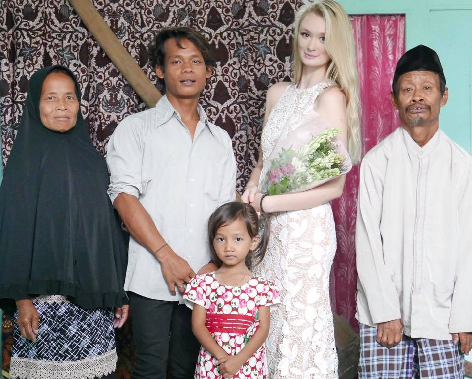 The Viral Story Of An Indonesian Man And Beautiful English Girl Who Fell In Love And Married Each Other