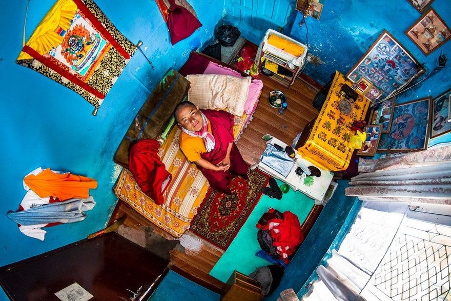 30 Bedroom Pictures Showing Millennial's Lifestyle Around The World