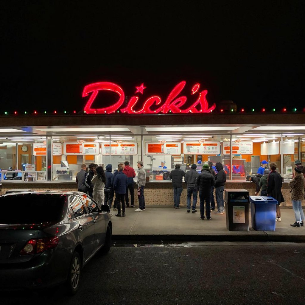 Billionaire Bill Gates Photographed Standing In Line For A Burger At Dick's Drive-In In Seattle