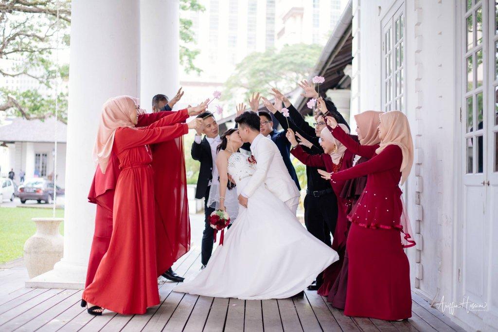 Viral Picutres Christian Bride Muslim Bridesmaids