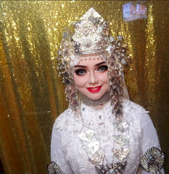 bride, barbie makeup