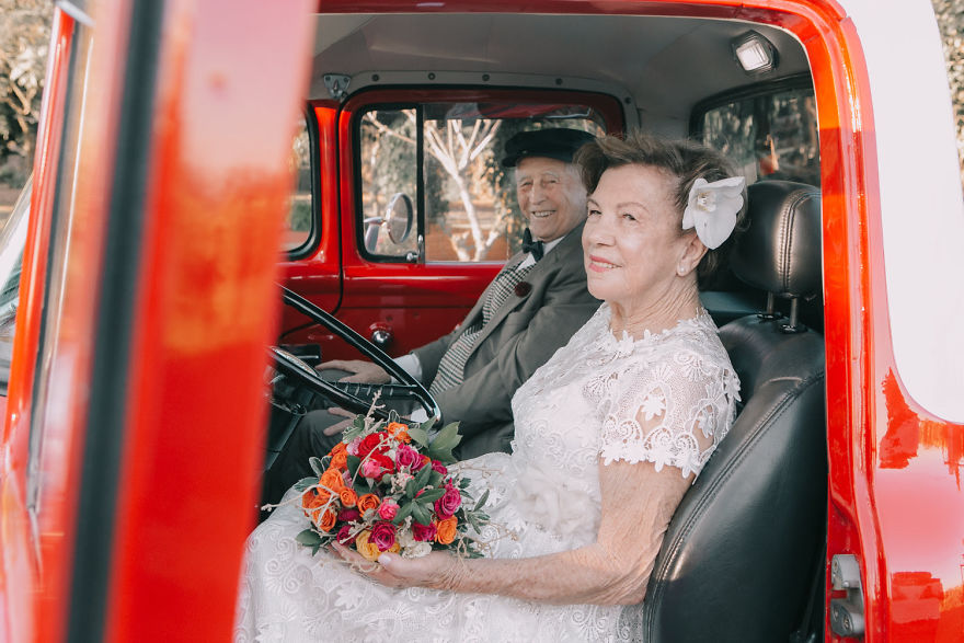 Elderly Couple Had A Photoshoot 60 Years After Their Wedding