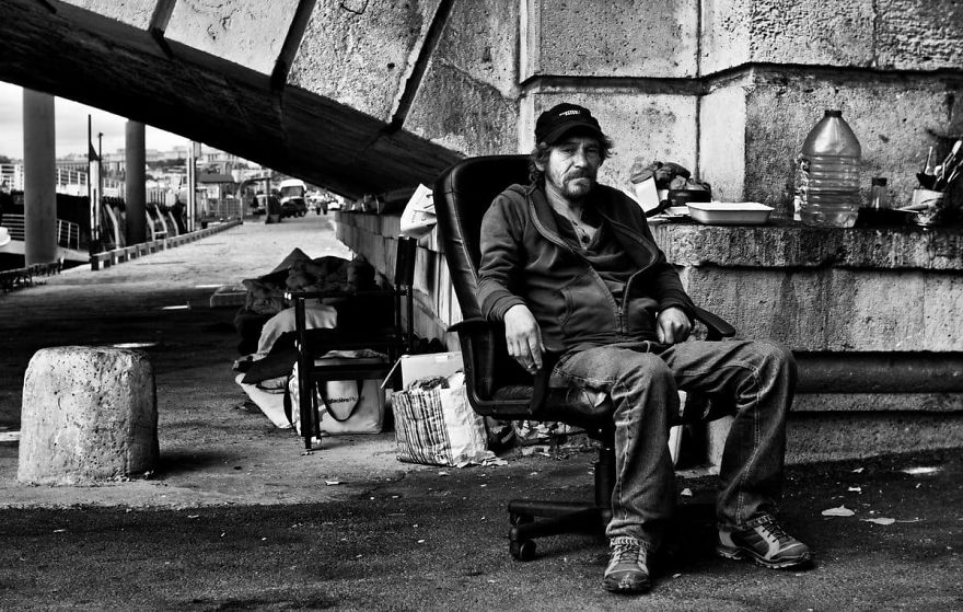 Photographer Reveals The Unromantic Side Of Paris Through His Images