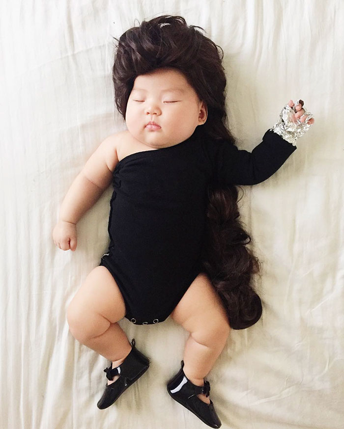 4-Month-Old Baby Becomes Star While Sleeping, All Credit Goes To Her Mommy!