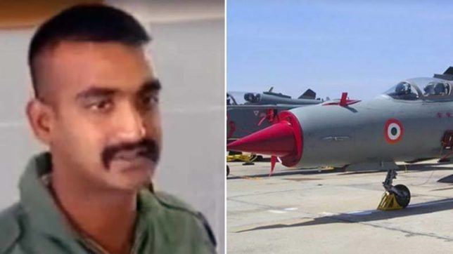 IAF Pilot Abhinandan's Parents Receive Standing Ovation From Co-passengers On Their Flight To Delhi