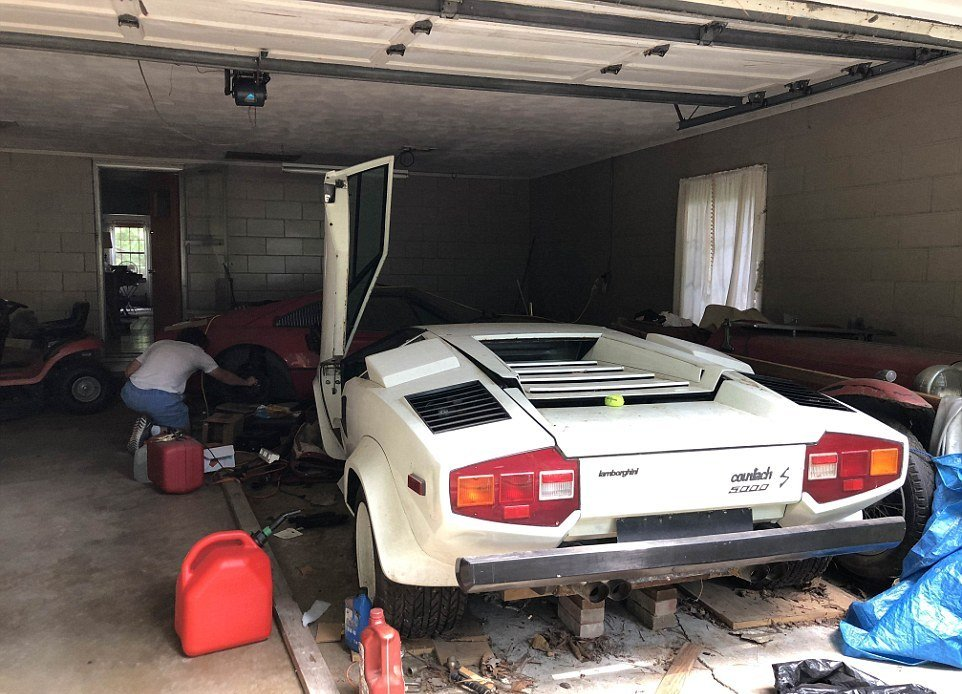 A Student From The US Finds Out There Are Two Hidden supercars In Her Grandma's Garage