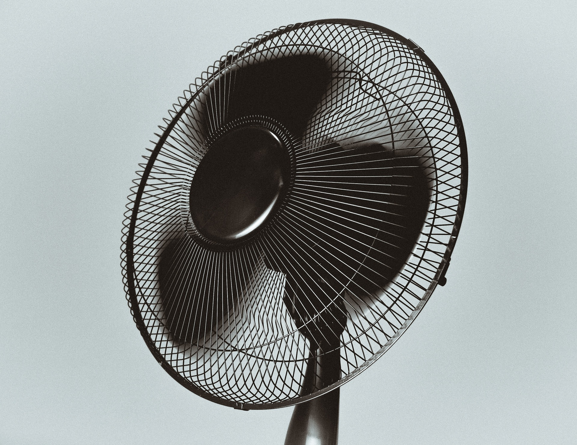 Keeping The Fan Turned On All Night While Sleeping Can Cause You Health Problems