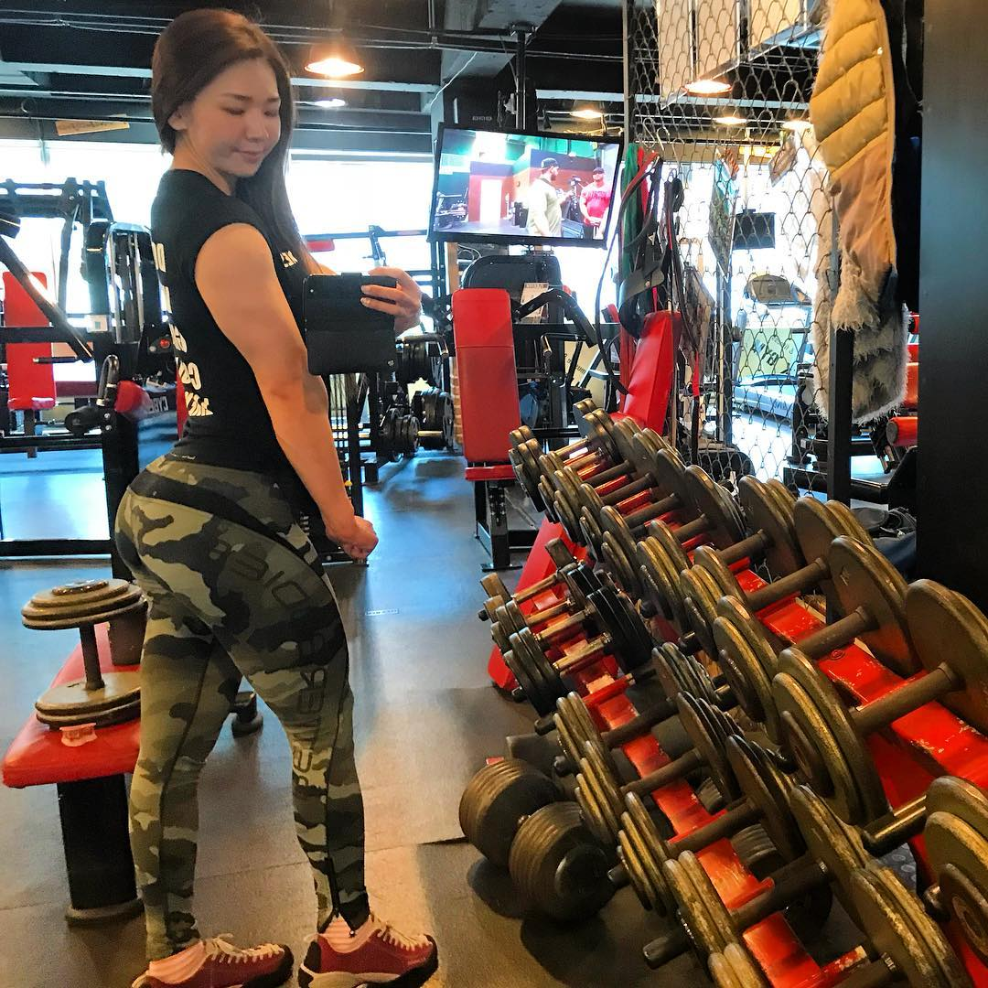 This Korean Girl Who Once Used To Be Fragile Is Now A Muscle Barbie
