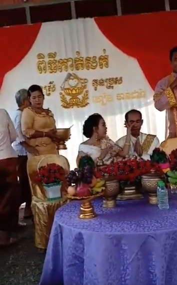 This Cambodian Groom Tied The Knot With His Own Sister