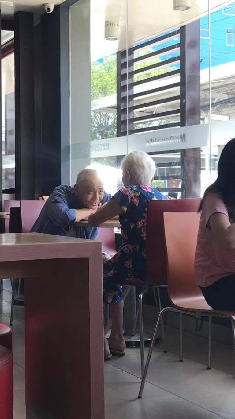 Picture Of Adorable Elderly Couple Where Man Stares Lovingly At His Woman Went Viral
