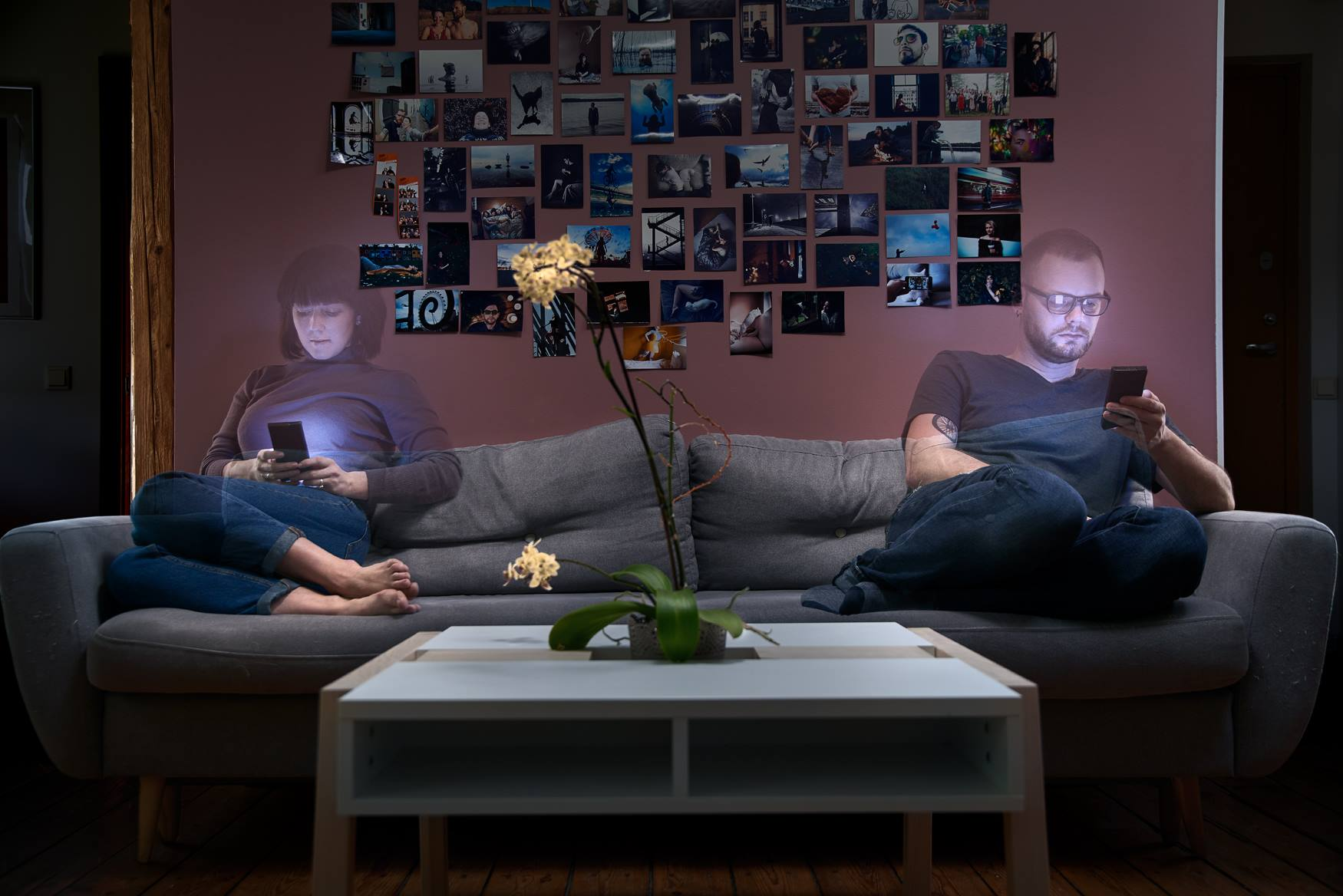 "The ""Disconnecting Connection"" Project Illustrates The Harsh Reality Of The Time"