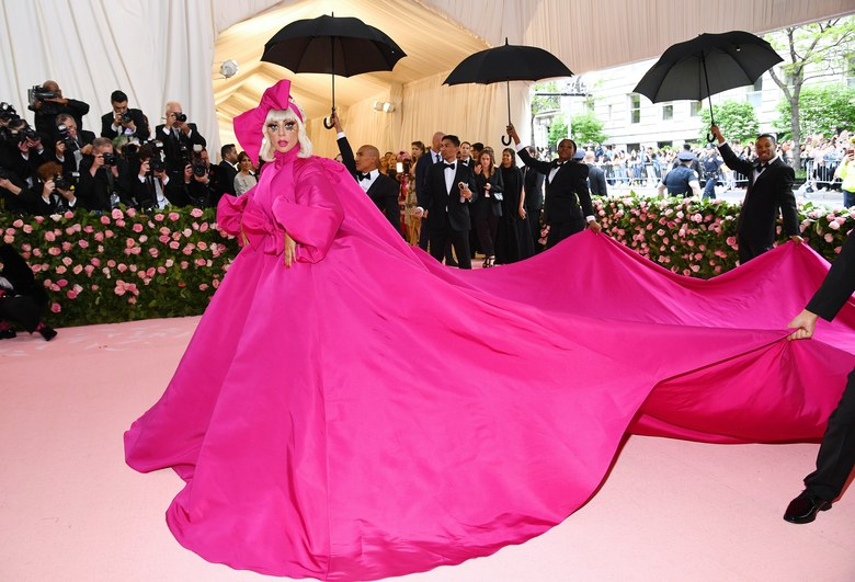 See Lady Gaga's Amazing Entrance To Met Gala 2019 In Four Statement Outfits