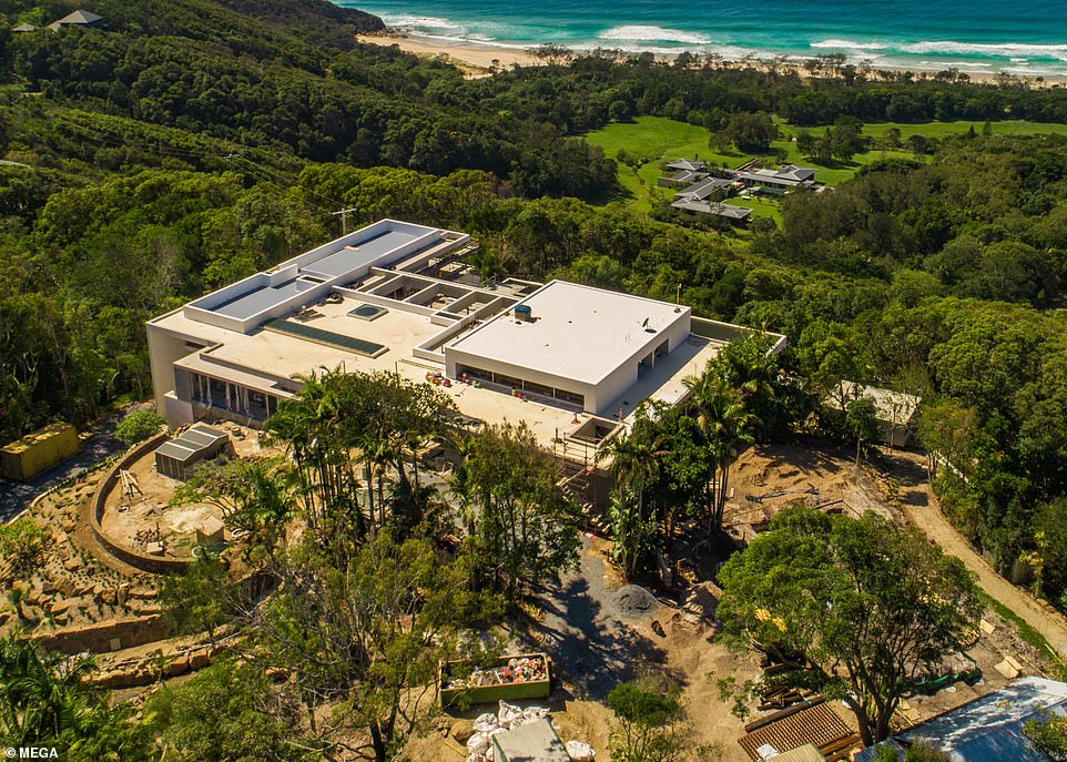 Chris Hemsworth $9Million Mansion Could Be Bigger Than Avengers Headquarters