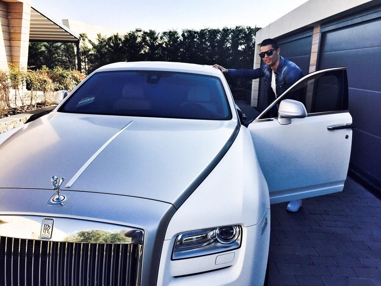 Cristiano Ronaldo Has Bought A $18 Million Bugatti Which Is The World's Most Expensive Car