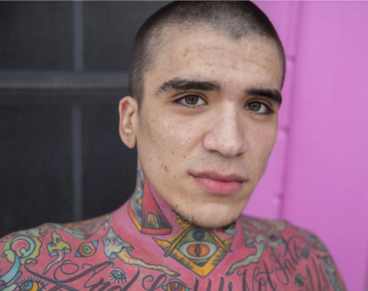 Emilio In Texas Paints His House In Shades Of Pink No Matter What Neighbours Say