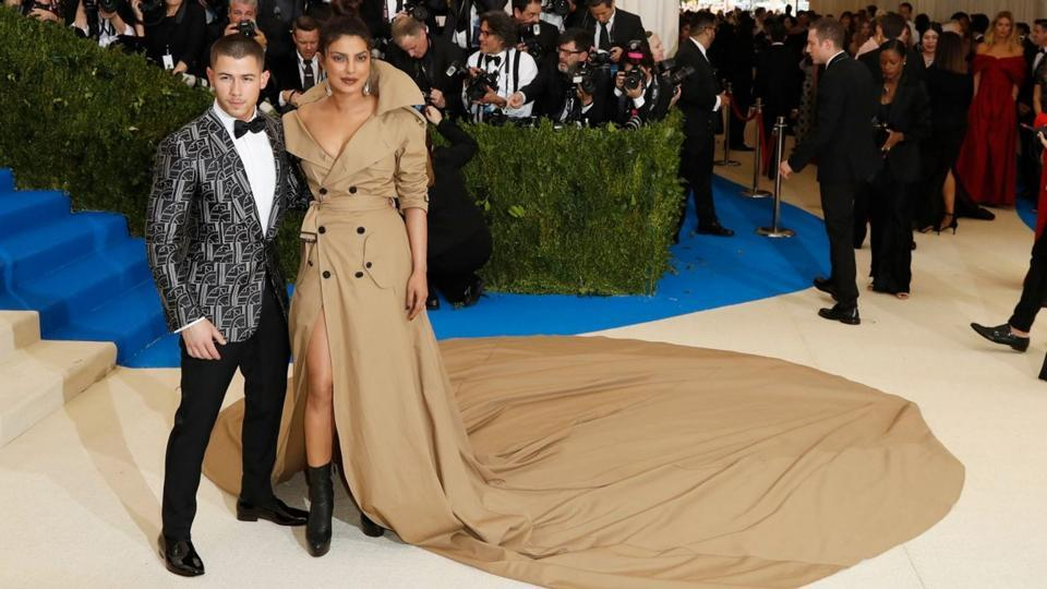 """""""How I Met Your Father"""", The Story That Priyanka Chopra Will Definitely Tell Their Future Kids"""