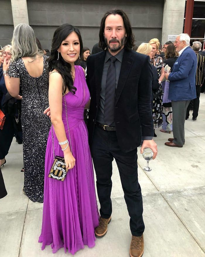 Did You Know Keanu Reeves Never Touches Women In Pictures?