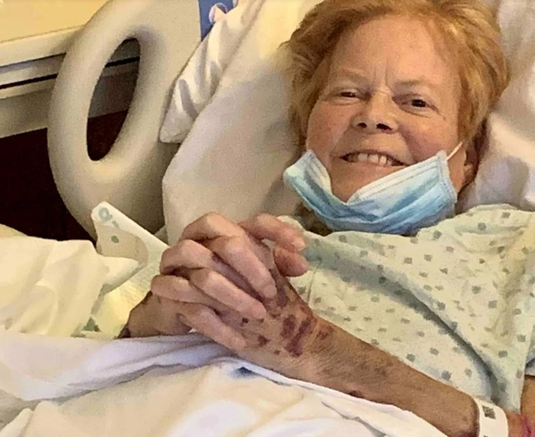 This 71 Years Old Woman Received Liver Donation From Her Grand Daughter's Boyfriend