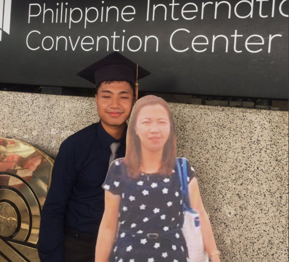 Student Brings Cut Out Of Mother To Graduation Ceremony, Goes Viral On Twitter