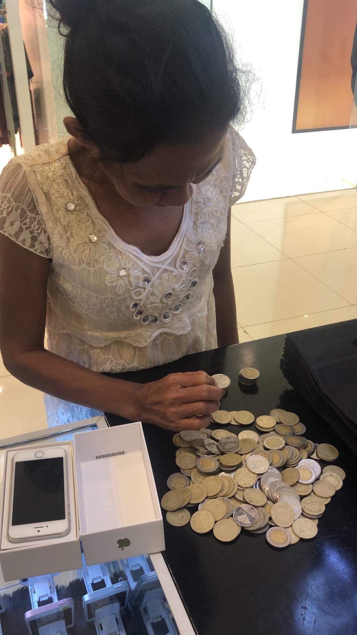 Poor Mother Collects Coins To Gift New Phone To Her Kid As A Reward For Being A Topper