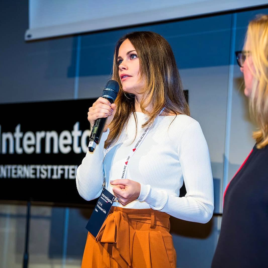 Princess Sofia of Sweden is fighting COVID-19 as a medical assistant