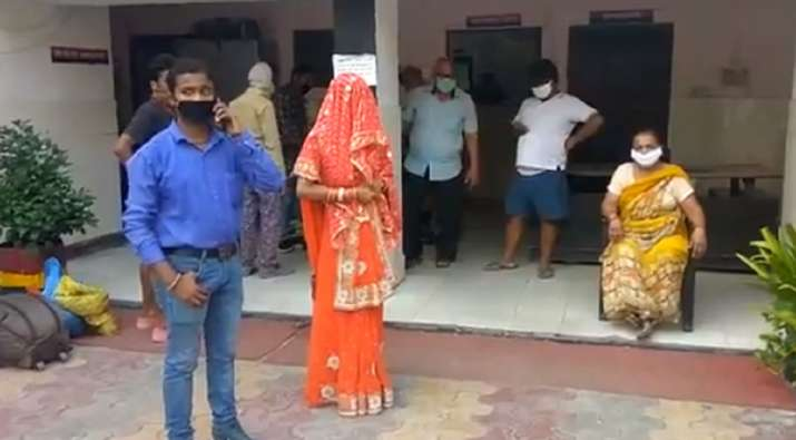 Man In India Goes To Buy Groceries Amid Lockdown and Returns With A Bride